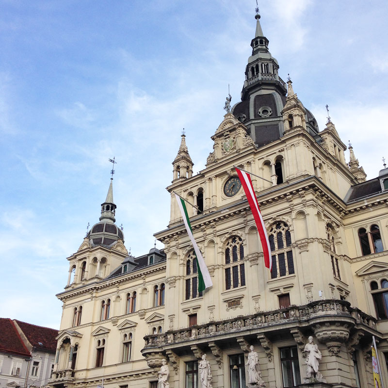 travel-guide graz: rathaus | h.anna