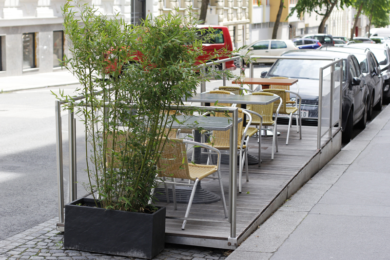 vienna city guide: bits and bites vienna - schanigarten | h.anna