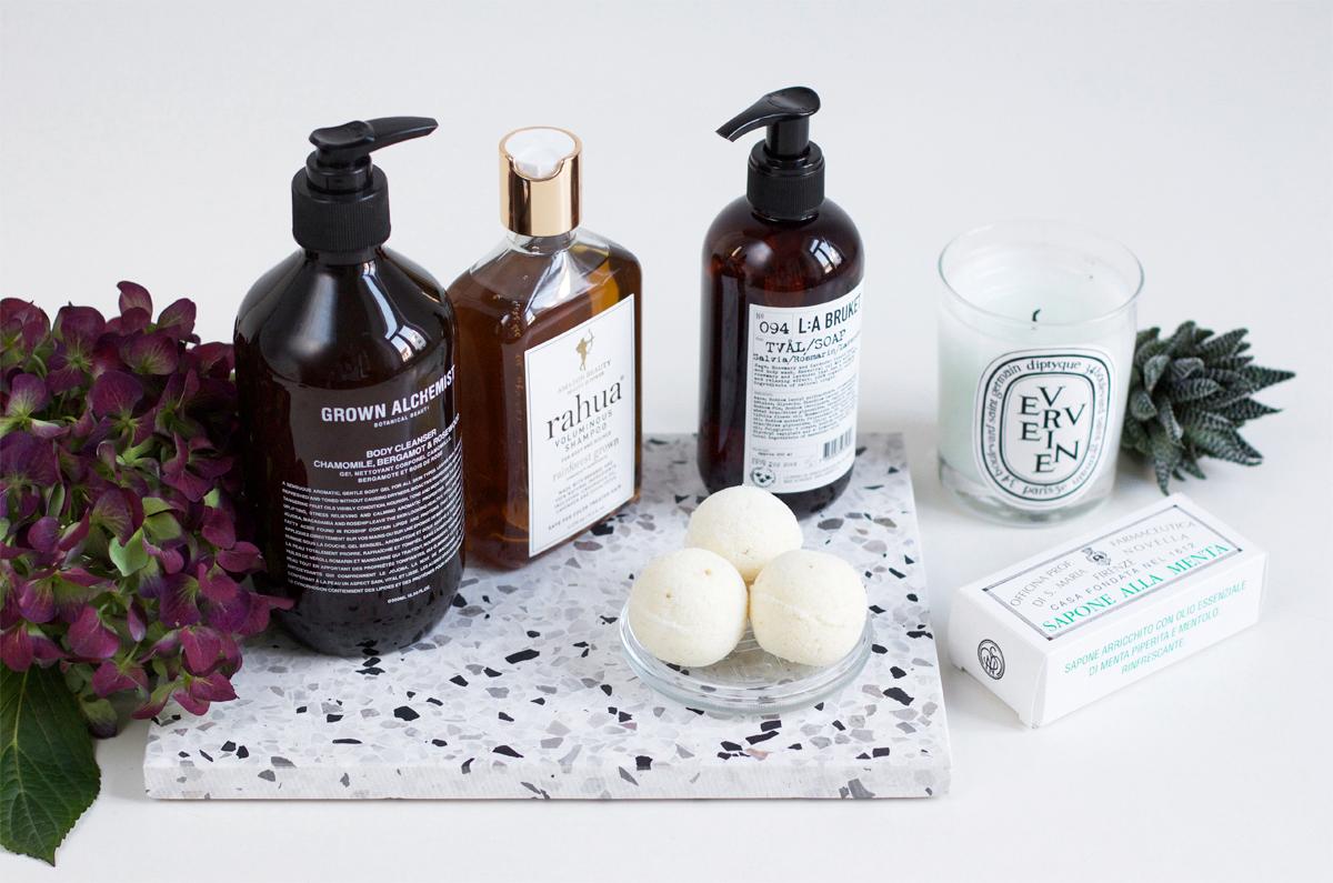 fall bathroom essentials | h.anna